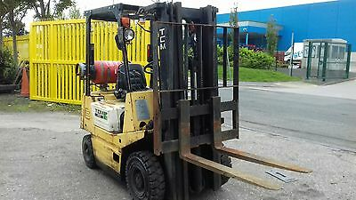 gas forklift  tcm1.5 ton wuth tripple mast