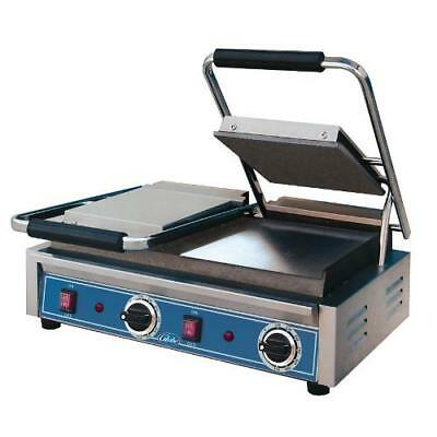 Globe - GSGDUE10 - Double Bistro Panini Grill with Smooth Plates