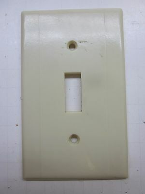 Vintage Ivory Color Bakelite Leviton Deco Switch Wall Plate Cover 2 Ribs Lines