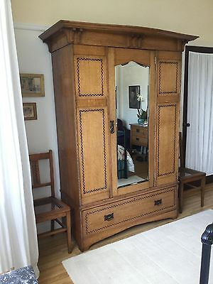 Rare ARTS & CRAFTS 5 piece OAK BEDROOM SUITE in the style of Baillie Scott
