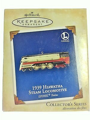 NEW Hallmark KEEPSAKE Ornament 1939 LIONEL TRAIN Hiawatha Steam Locomotive 2004