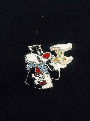 WB Warner Bros Brothers Looney Tunes Sylvester Tweety Bird Sandwich Lapel Pin