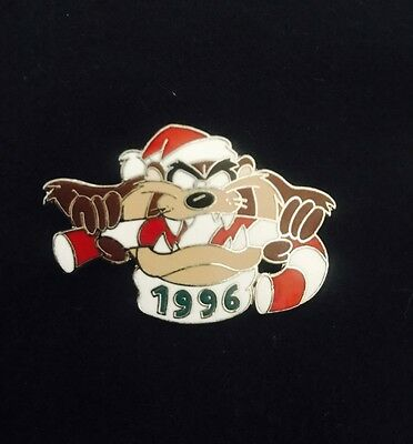 WB Warner Bros Looney Tunes Tasmanian Devil Taz Candy Cane Christmas Lapel Pin