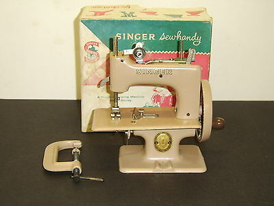ANTIQUE EXC SINGER SEWING MACHINE SEWHANDY MODEL 20 w/ BOX GREAT BRITAIN EMBLEM
