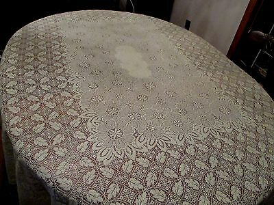 Vintage Ivory Quaker Lace tablecloth with Leaves 80 x 66""