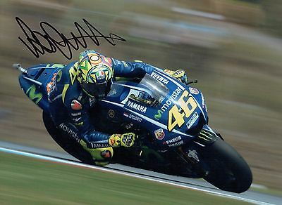 VALENTINO ROSSI Autograph 2017 SIGNED 16x12 Yamaha Photo 14 AFTAL COA The Doctor