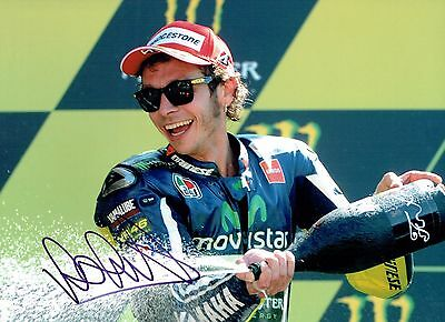 VALENTINO ROSSI Autograph 2017 SIGNED 16x12 Yamaha Photo 17 AFTAL COA The Doctor