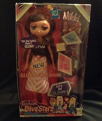 Fashion Diva Starz 'NIKKI'  by Mattel 2002 - BNIB Sealed box