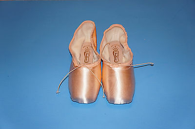 """Adult """"Classic Professional 90"""" Special Order Pointe Shoes Style No: SBTCP90"""