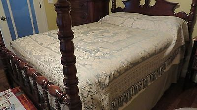 Vintage Patterned Bedspread or Coverlet With Fringe Mint Green/Off White Full