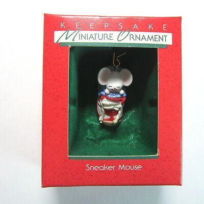Vintage 1988 Hallmark Mini SNEAKER MOUSE Miniature Ornament -QXM571-1