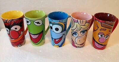 Disney Store MUPPETS MOST WANTED Complete Set 5 Tall Latte Mugs w/Bag Tote