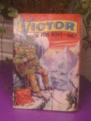 The Victor Book for Boys 1967 Siver Age VIC03