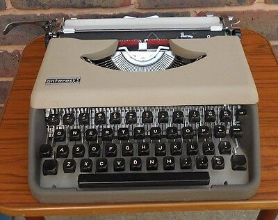 Vintage Portable Antares Typewriter  With Case Made in Italy Tested & Working