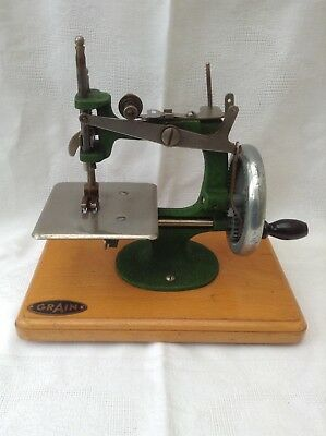 Vintage Grain Mini Sewing Machine