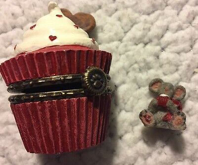 Boyds Bears Resin Sweety's Cupcake with Sugar McNibble Treasure Box