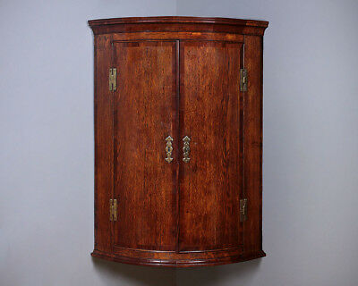 Antique George III Oak Bow Front Corner Cupboard c.1810.