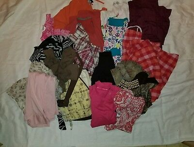 Huge Lot Of M - XL Women's Clothing 20 Pieces Or More!!