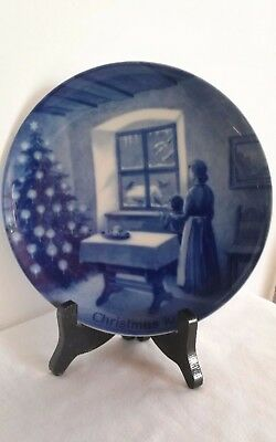 Kaiser Blue and white porcelain collectors plate made in West Germany 1970