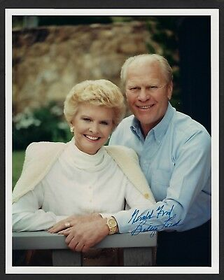 Gerald & Betty Ford signed 8x10 photo 38th US President & 1st Lady