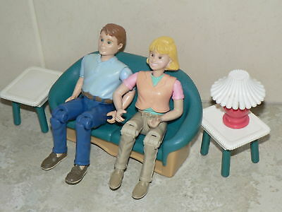 VINTAGE Fisher Price Loving Family dolls house lounge, lamp and figures (pack 3)