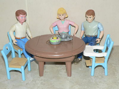 VINTAGE Fisher Price Loving Family dolls house dining set and figures (pack 4)