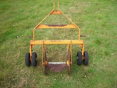 Sisis compact tractor turf cutter