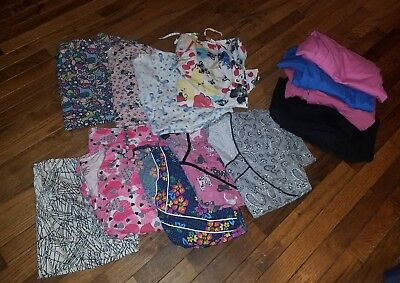 LOT of 9 female Medium scrub tops & 8 Bottoms - Various Brands/Styles Used