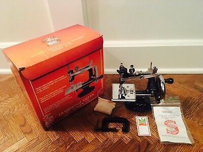 Antique Singer Mini Sewing Machine Model K-20; Childs Crank Handle- New 1920's