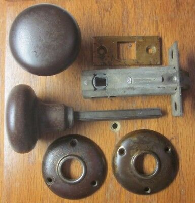 1 Antique Yale Door Knob Passage Latch Set Rosette Backplates Not Locking Rustic