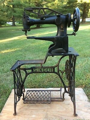 Singer 29-4 Industrial Sewing Machine With Metal Base