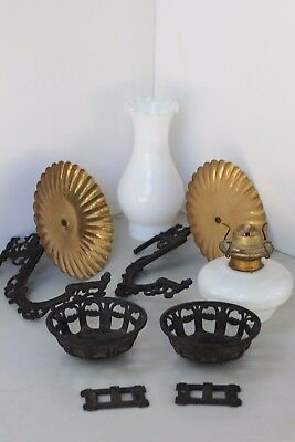 Vtg.~Antique? Ornate Cast Iron Wall Mount Sconce Kerosene/Oil Lantern Holder