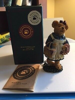 "BOYDS BEARS & FRIENDS ""Molly B. Berriweather... Teddy Bear's Picnic"" 02002-21"