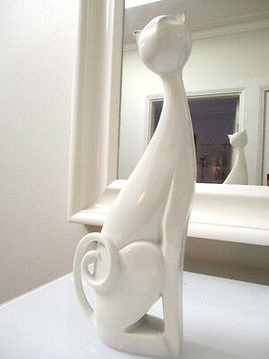 Sinuous White Cat Statue European White Resin Cat Height 27cm H