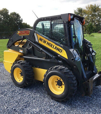 2013 New Holland L225 Skid Steer Loader, High Flow, Mint Condition!