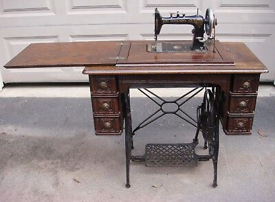 ANTIQUE **MINNESOTA** MODEL D SEWING MACHINE w/ 7 DRAWER CABINET & CONTENTS