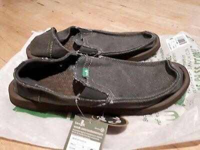 Mens sanuk slip on sandal/surf shoe - size us 9  Brand new! *Free postage*
