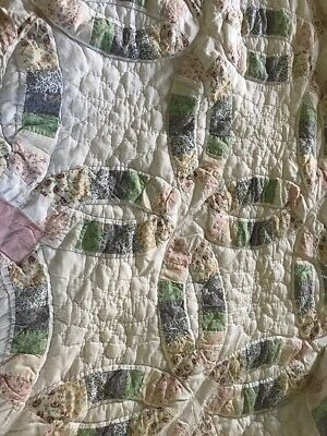 Antique Hand Stitched Wedding Ring Quilt