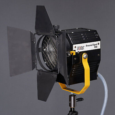 Materzok und Kainz Fresnel Spot 120 with Barn doors for Broncolor Flash 1500 Ws