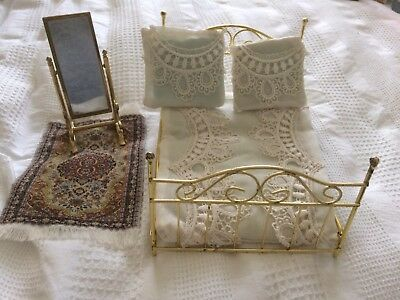 Dolls House Bed Mirror And Rug 1:12