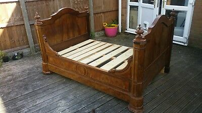 Antique Walnut french day bed