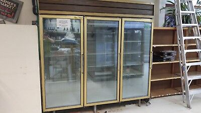Commercial display freezer 3-DOOR