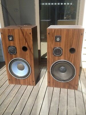hifi big-ass speakers from 1980s Onkyo system man cave 100w