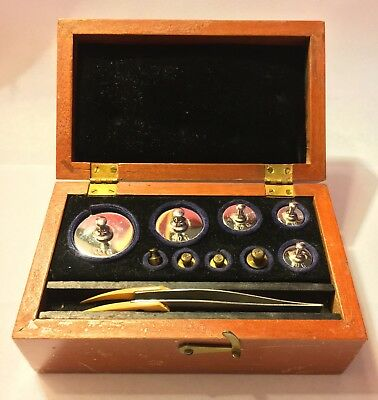 Vtg Arthur Thomas Scale Weights in Wood Case apothecary 9 Weights 1g Thru 100g