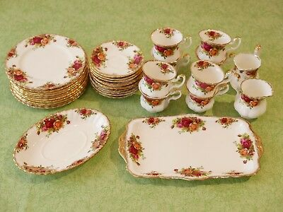 Royal Albert > old country roses < Konvolut 33 Teile aus Nachlass