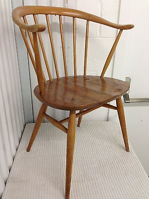 Ercol Windsor Cowhorn model 449A-Lot 4