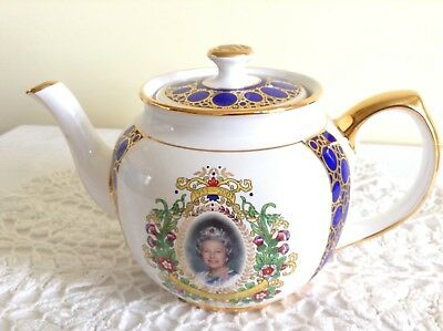 Beautiful Ringtons by Wade 50th Anniversary of the Queens Coronation Tea Pot