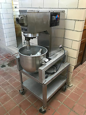 General Slicing Model MM-20 Commercial 20 Quart Mixer