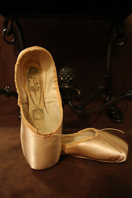 "Custom FREED Pointe Shoes | 5 XX, ""Q"" MAKER,  3/4 Shank 