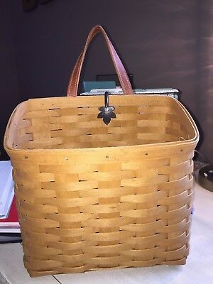 Longaberger 2006 Wall Hanging Mail/Magazine Basket with Wall Hook
